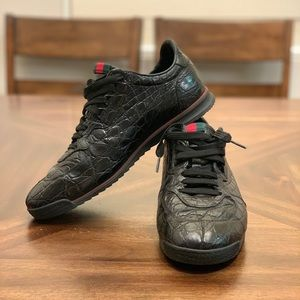 Gucci black leather fashionable sneakers loafers